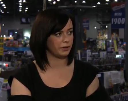Eve Myles (Gwen Cooper)